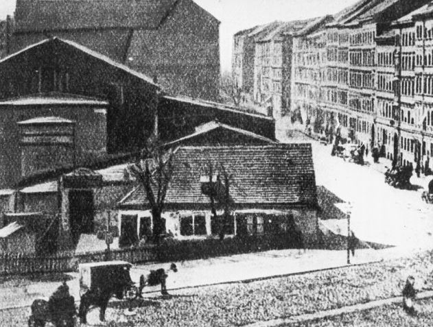 "RESTAURANT ""ZUR LINDE"" AT KOTTBUSSER TOR IN BERLIN-KREUZBERG (mid-19th century)"